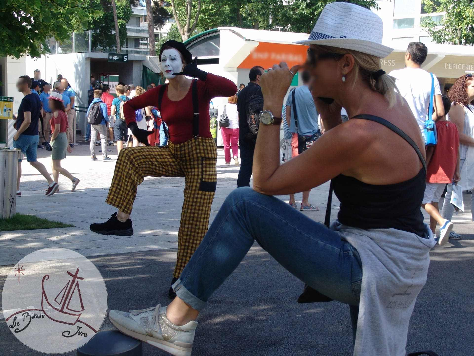 2017 animation Mime Suiveur Paris Roland Garros artiste mime Natasha Meyran