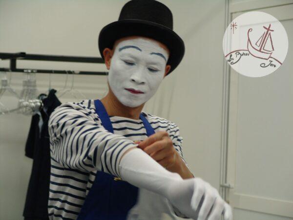 2017 animation Mime Suiveur artiste mime Tien Vuong Nguyen à Paris Roland Garros